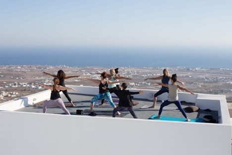 rooftop yoga in santorini